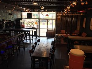 roots2rock live music taproom